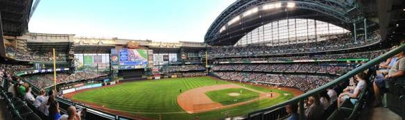 Miller_Park_panorama,_Milwaukee,_August_2013